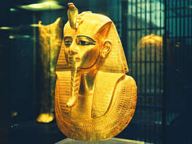 Visit the Egyptian museum on a private tour of Cairo